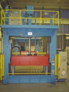 Oberkolbendruckgeber in Rahmenbauweise